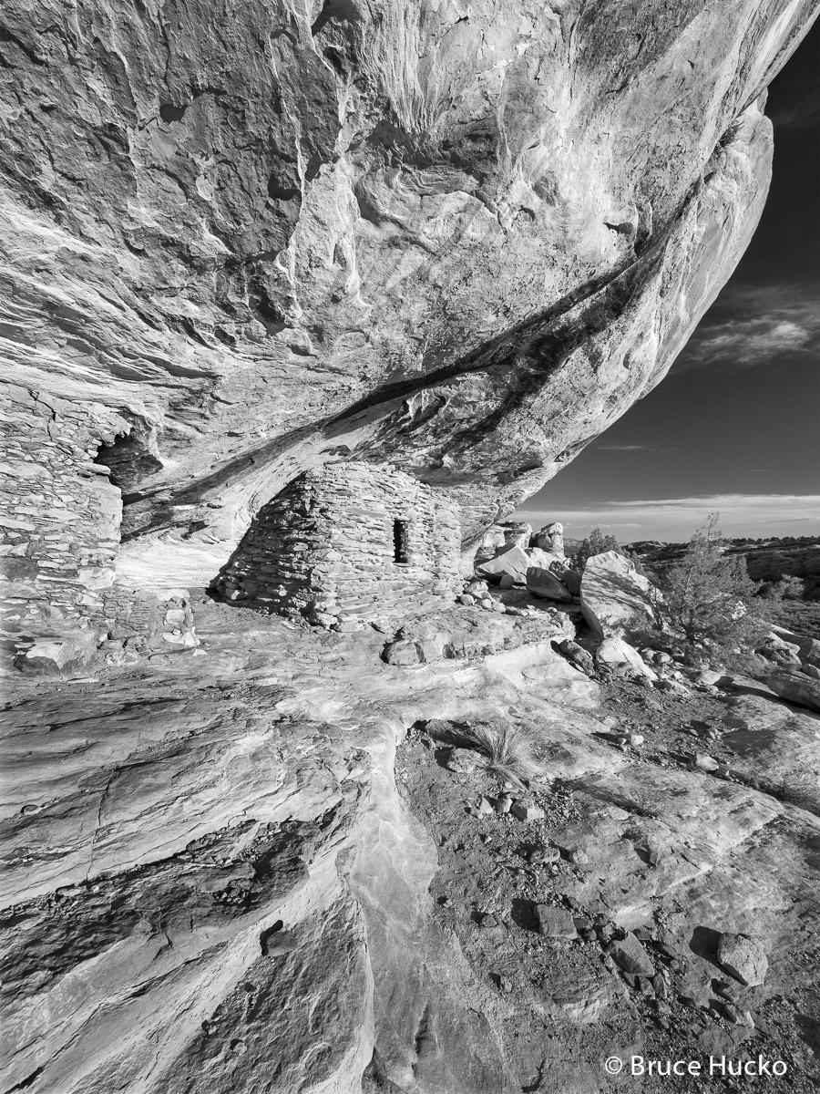 Cedar Mesa,Cedar Mesa Anasazi ruin,Cedar Mesa Canyons,Cedar Mesa Canyons Four Corners area,Cedar Mesa ruins,Mule Canyon ruins,Sheik's Canyon ruins,ancestral puebloan colorado plateau ruins, photo