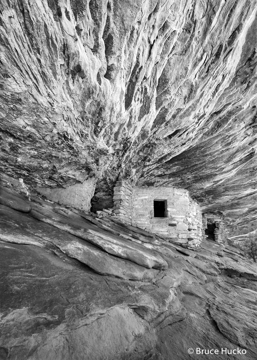 Cedar Mea,Cedar Mesa,Cedar Mesa Anasazi ruin,Cedar Mesa Canyons,Cedar Mesa ruins,anasazi ancestral puebloan rock art ruins,anasazi ruins, photo