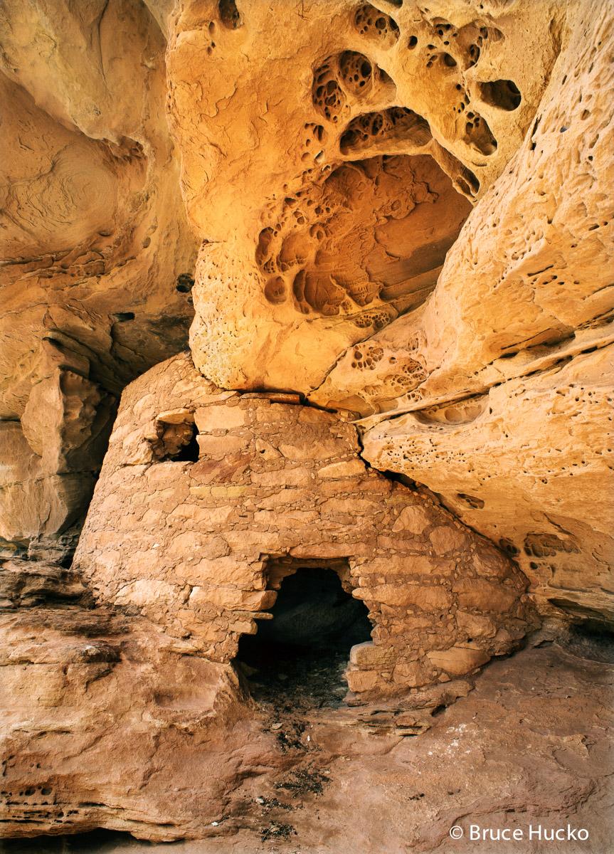 Cedar Mesa,Cedar Mesa Anasazi ruin,Cedar Mesa Canyons,Cedar Mesa Canyons Four Corners area,Cedar Mesa ruins,anasazi,anasazi ruins,ancestral puebloan,ancestral puebloan colorado plateau ruins ruins, photo