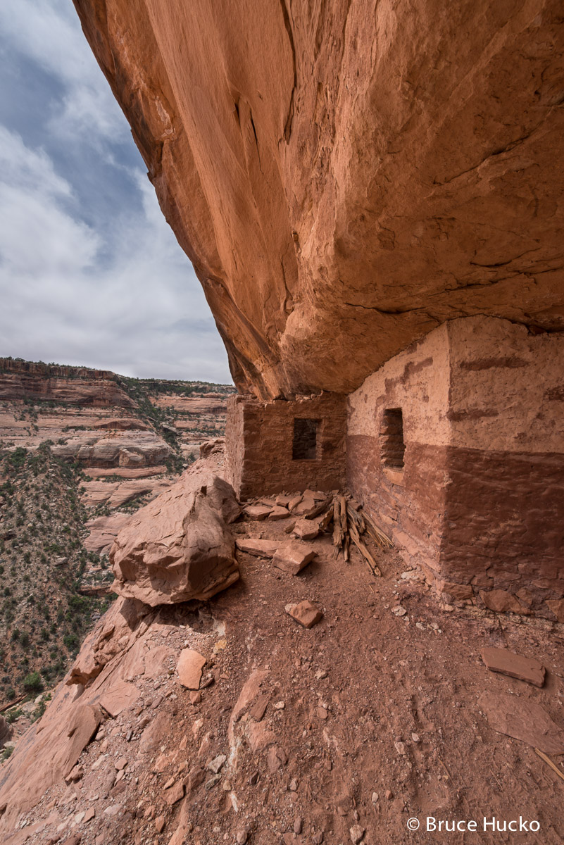Cedar Mesa,Cedar Mesa Anasazi ruin,Cedar Mesa ruins,Fish Creek,Red and White Wall Ruin, photo