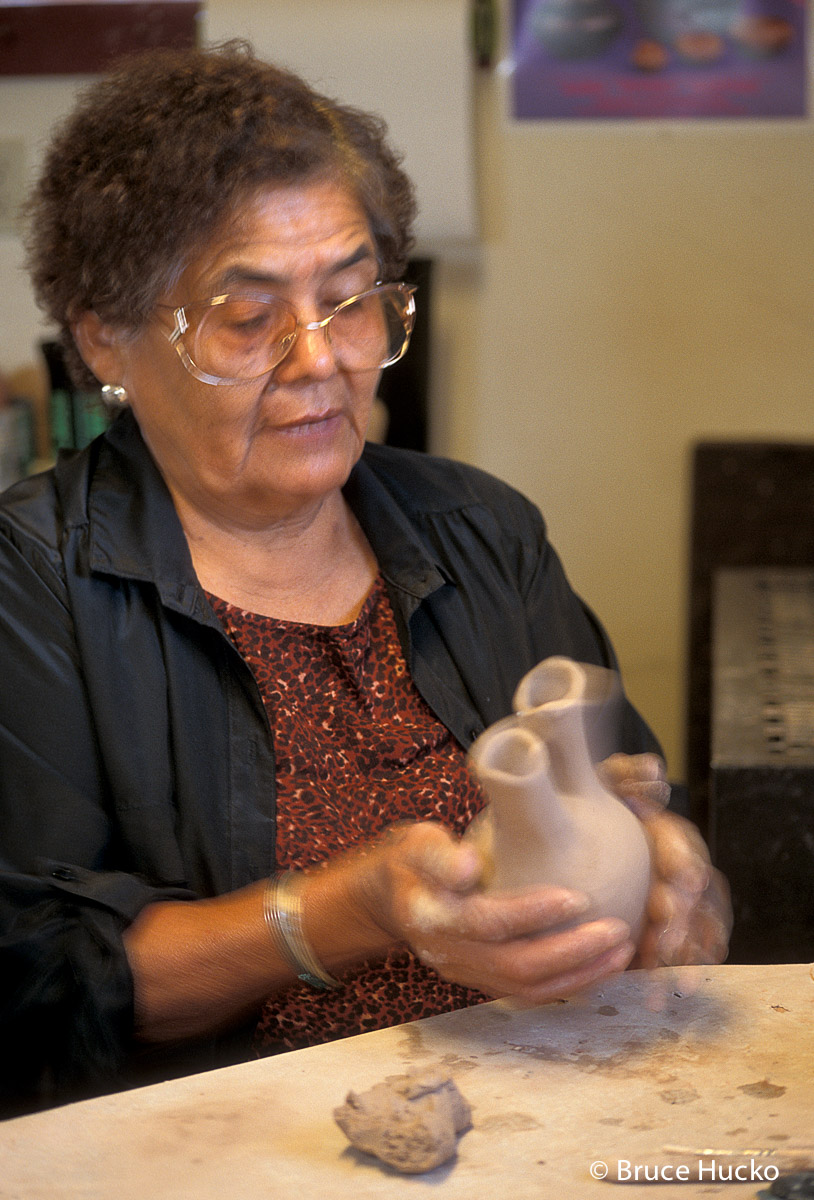 Southwest Indian Potters,Southwest Indian Pottery, photo