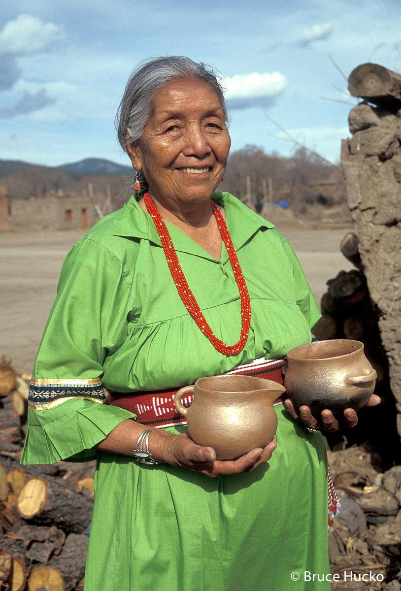 Southwest Indian Potters,Southwest Indian Pottery, photo